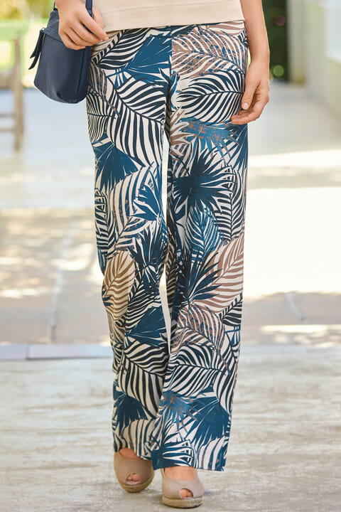 Leaf printed trousers